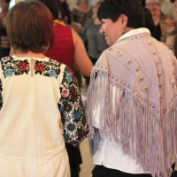 embroidery-shawl